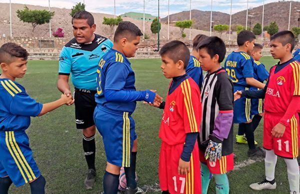 Destacan futbolistas de Ahuatempan en la Espartaqueada