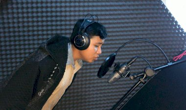 Invita joven cantante poblano a ver la Espartaqueada