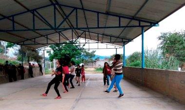 Antorcha promueve arte con danza folclórica