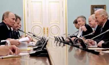 Joe Biden y Vladimir Putin encuentro de superpotencias