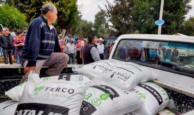 Antorcha Campesina entrega fertilizante a más de 2 mil campesino de Chalco