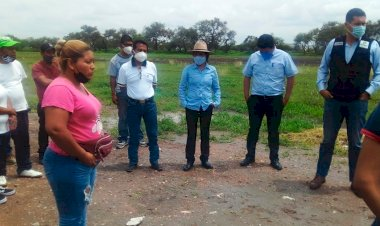 Inspeccionan funcionarios comunidades de Irapuato; planean rehabilitación