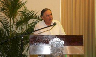 GobernadorCarlos Miguel Aysa Gonzáleznoescucha a los campechanos humildes