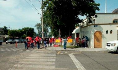 Antorchistas protestan en Colima por asistencia social; autoridades losevaden