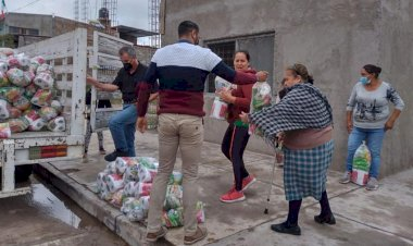 En Aguascalientes, familias de colonias humildes reciben apoyo alimenticio