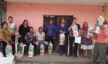 Antorcha entrega apoyos alimenticios en Cosío