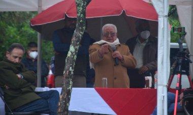 Maestro Aquiles llama a organizarse a campesinos de Atzitzihuacan, Puebla