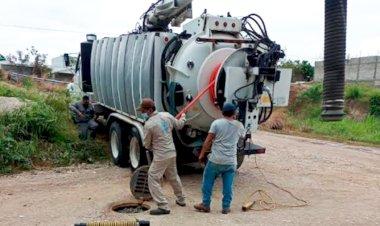 Desazolvan drenaje en comunidad antorchista de Chiapas