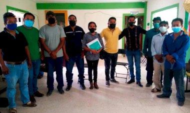 Entregan antorchistas peticiones al alcalde de Alcozauca